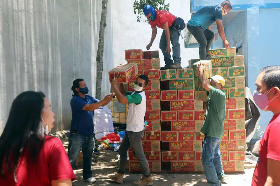 NUNUNGAN LGU DISTRIBUTES FOOD PACKS, OTHER ESSENTIAL GOODS TO 25 COMMUNITIES AMID ECQ